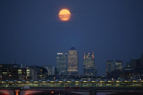 londonmoon2006a